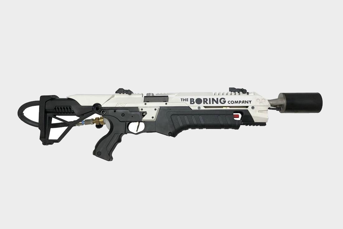 Илон Маск начал торговать огнеметами