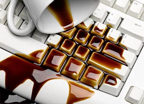 Что делать если залил клавиатуру на ноутбуке?