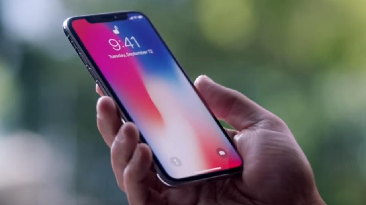 Смартфон iPhone X в России стал дешевле на 15%