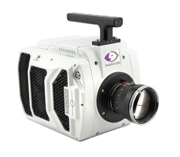 Phantom представил камеру v2640, снимающую соскоростью 25030 кадров засекунду