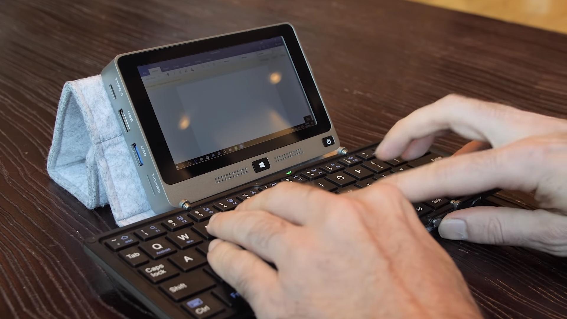 Мини PC— самый мощнейший вмире карманный компьютер, который помещается владонь