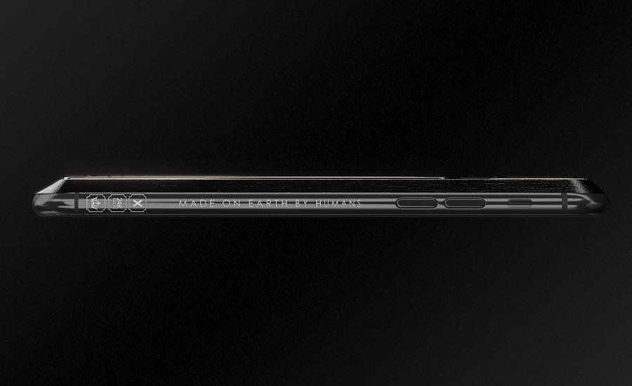 Русские  создатели  подарили iPhone Xсбесконечной зарядкой Илону Маску