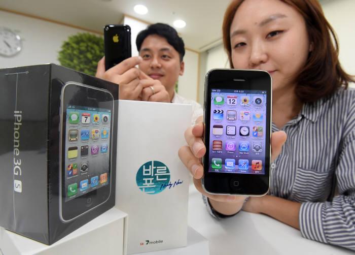 В Корее стартовали продажи новых IPhone 3GS за 2,5 тыс. рублей