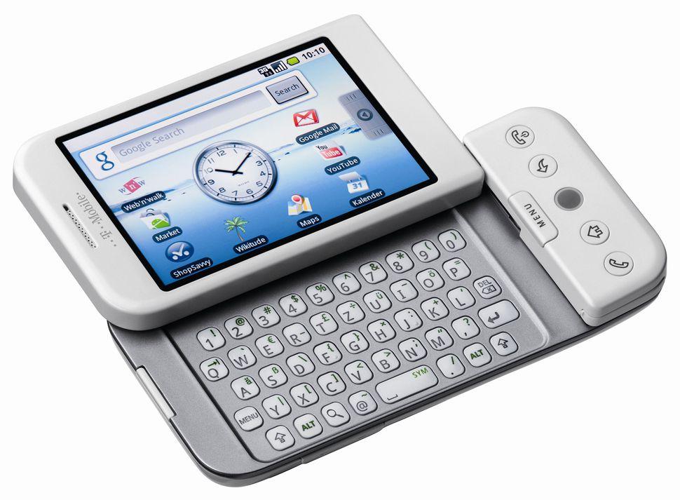 10 лет назад вмире появился 1-ый Android-смартфон