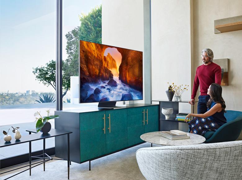 Samsung в России представил новейшие QLED-телевизоры