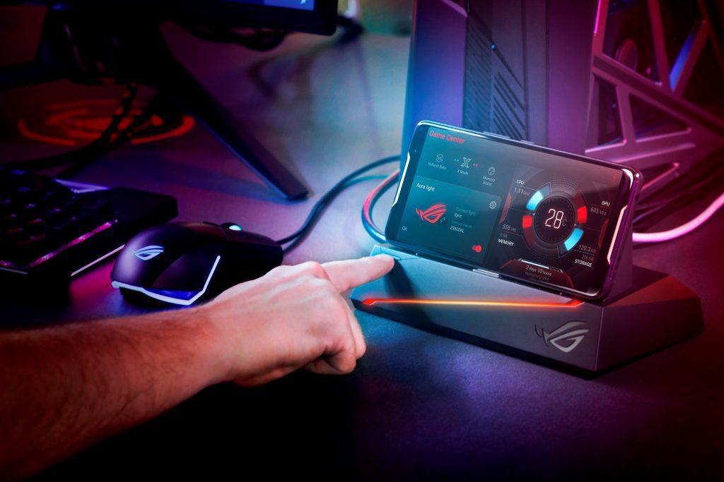 Игровой смартфон Asus ROG 2 выйдет в третьем квартале