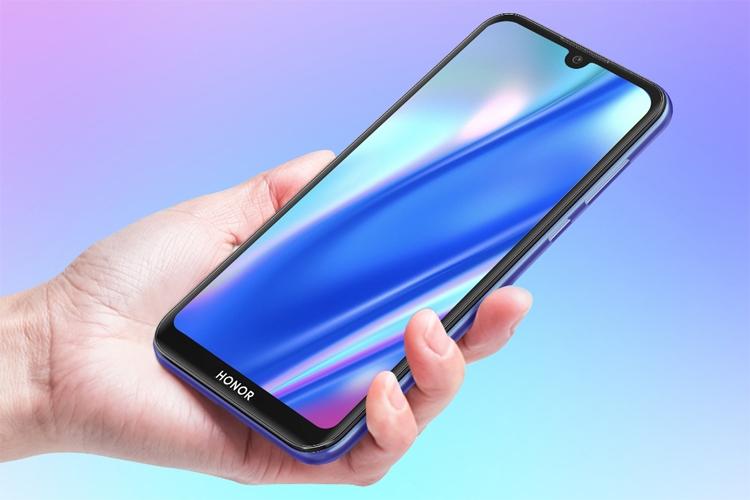 В России представлен недорогой смартфон Honor 8S