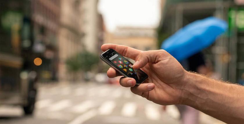 Palm Phone получил новую версию и стал полноценным смартфоном