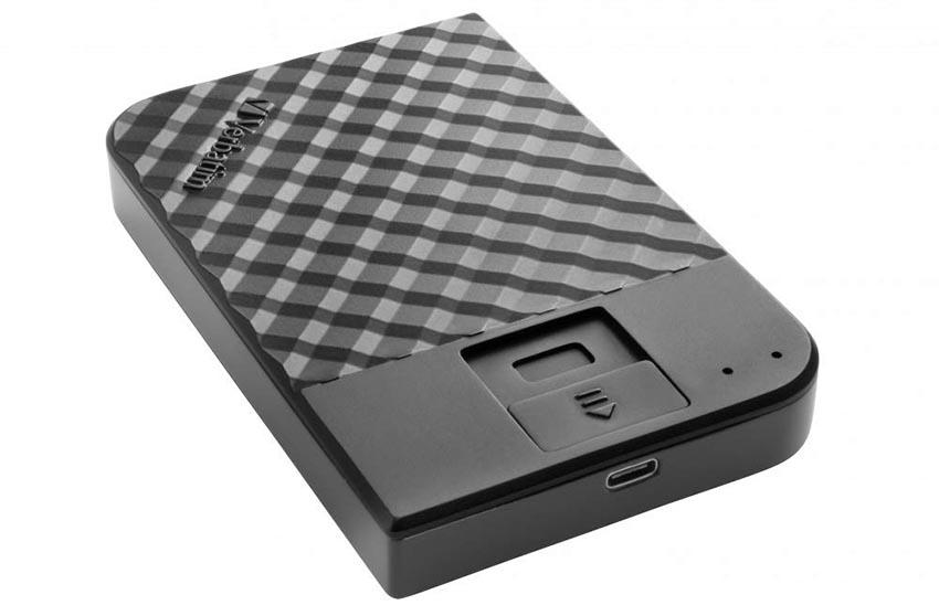 Новый внешний жесткий диск от Verbatim защищен сканером отпечатка пальца