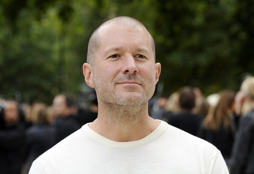Из-за ухода главного дизайнера снизилась капитализация Apple
