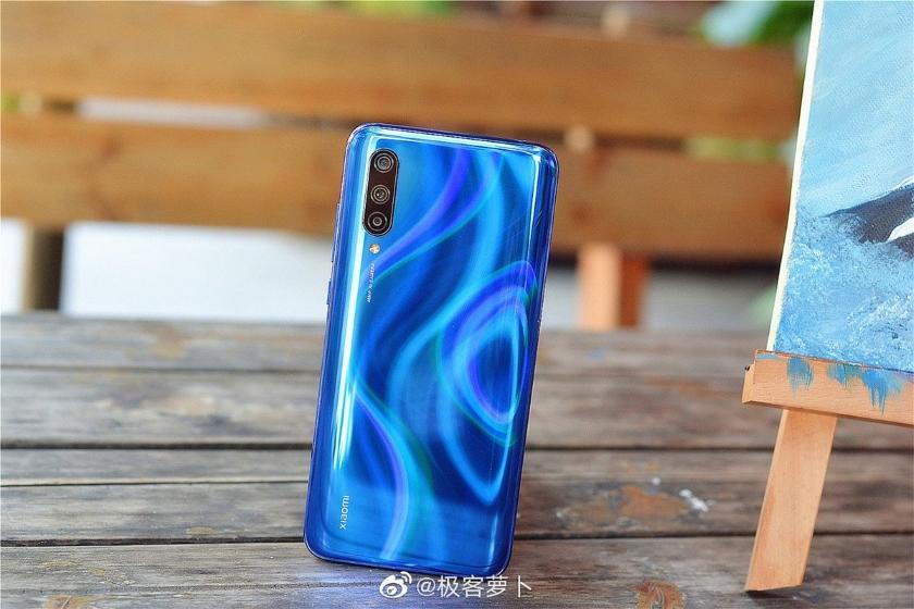 Молодежные смартфоны Xiaomi CC9 поступили в продажу