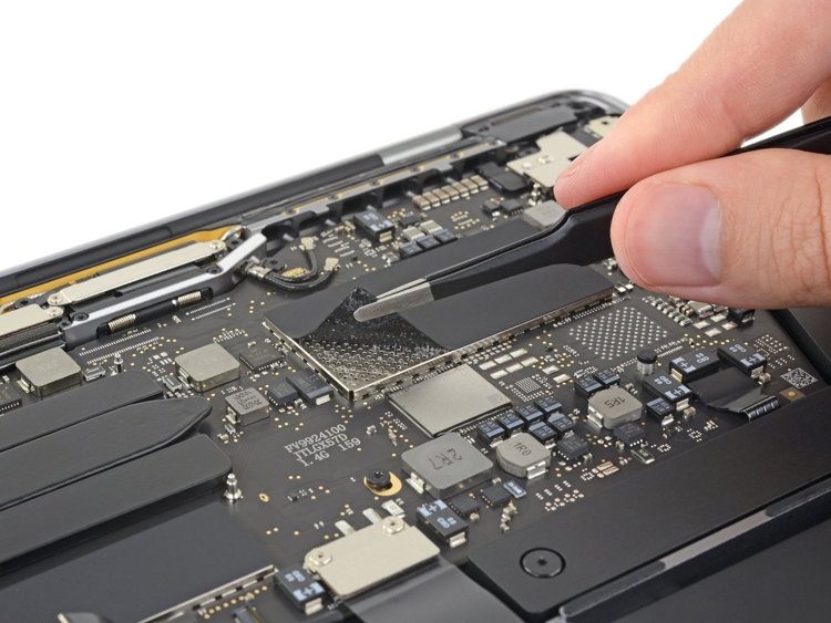 Специалисты iFixit разобрали обновленный MacBook Pro 13 от Apple