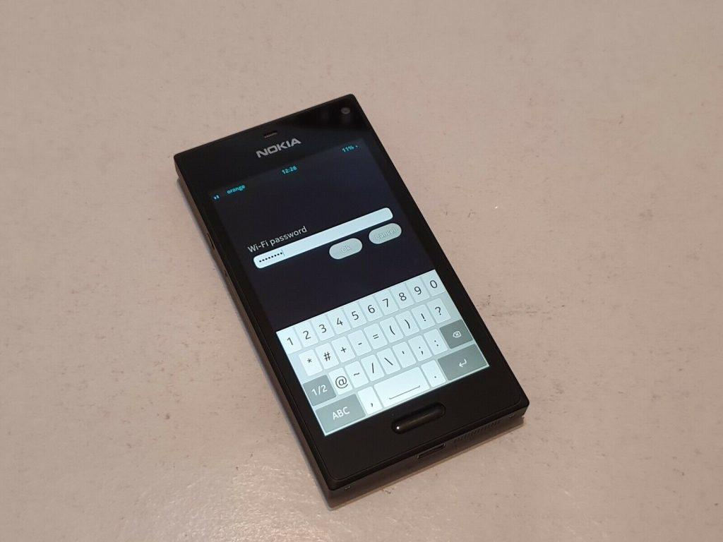 Два прототипа смартфонов Nokia появились в продаже на eBay