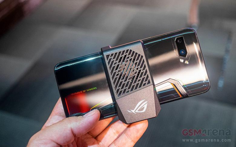 Игровой смартфон Asus ROG Phone 2 вызвал ажиотажный спрос