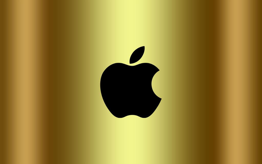 Логотип Apple в iPhone и MacBook начнет светиться и менять цвет