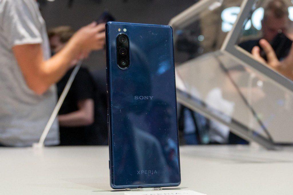 Названа стоимость и дата старта продаж компактного Sony Xperia 5