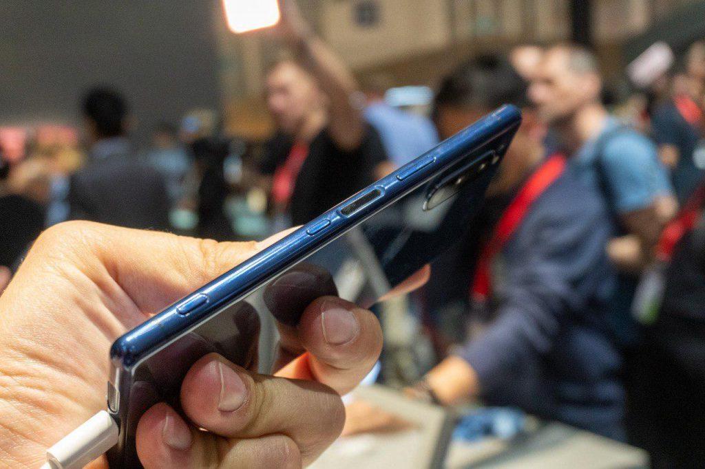 Sony выпустила компактный флагман Sony Xperia 5