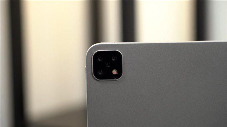 iPad Pro 2019 с тройной камерой появился на «живых» фотографиях