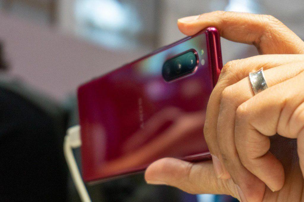 Sony начала продажи компактного флагмана Sony Xperia 5