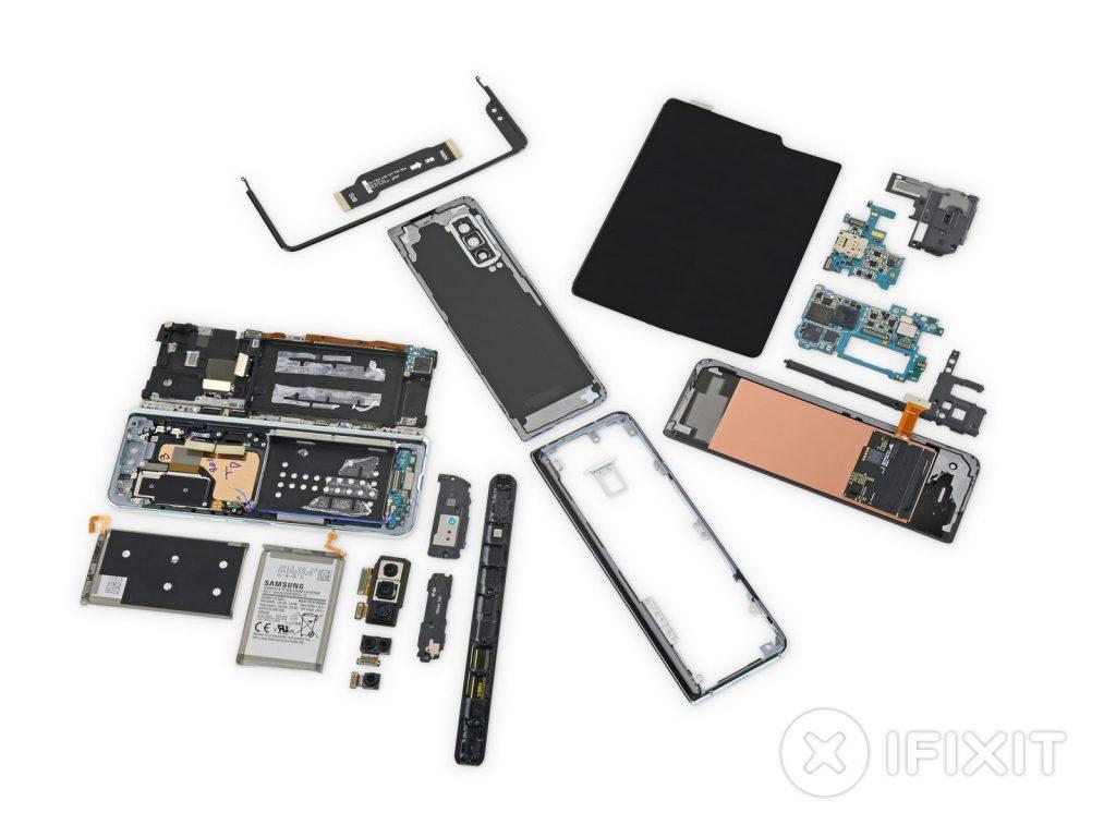 iFixit до винтика разобрали раскладной смартфон Samsung Galaxy Fold