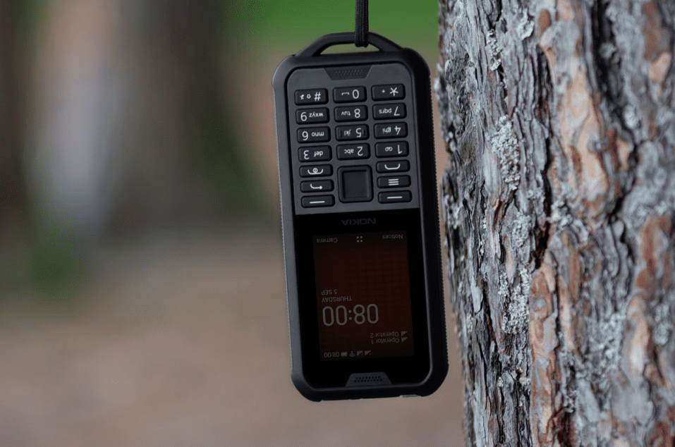 Nokia начала продажи в России защищенного телефона 800 Tough