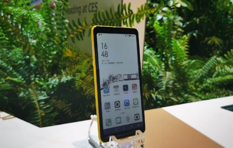 Китайская Hisense представила смартфон с экраном нового типа