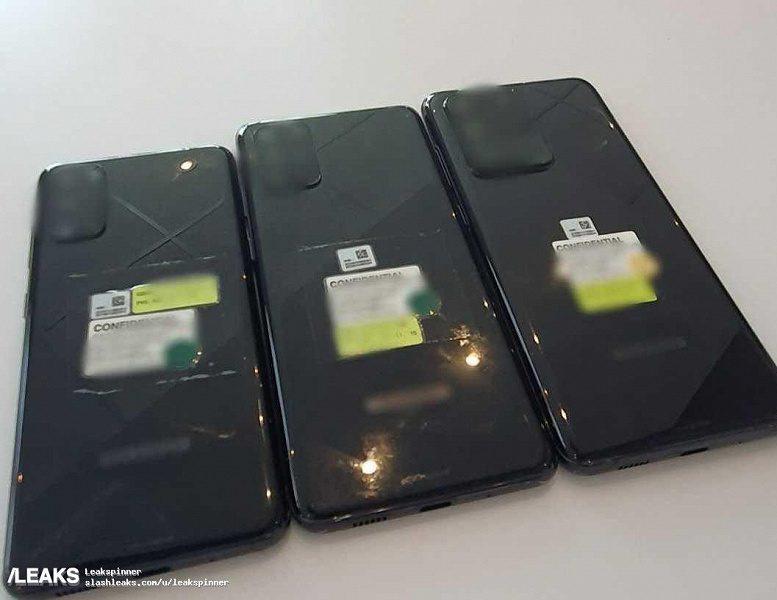 На фото в Сети показали всю линейку смартфонов Samsung Galaxy S20