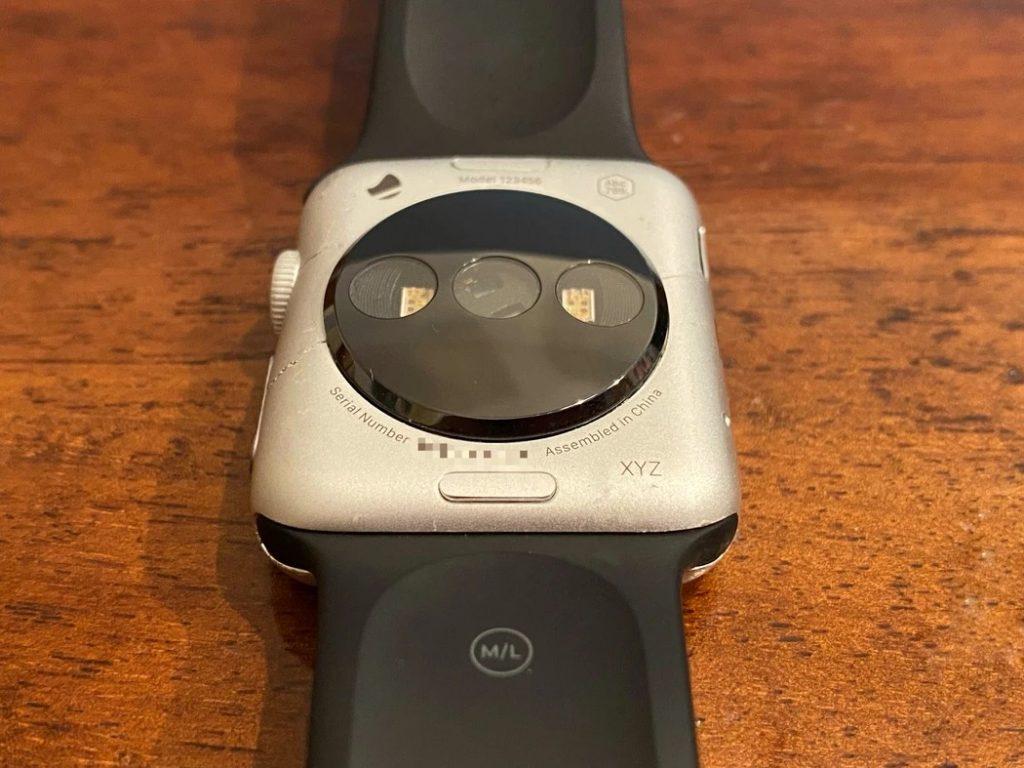 Ранние прототипы Apple Watch показали на фотографиях