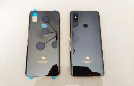 Редчайшие смартфоны Xiaomi продают в Сети за крупную сумму денег