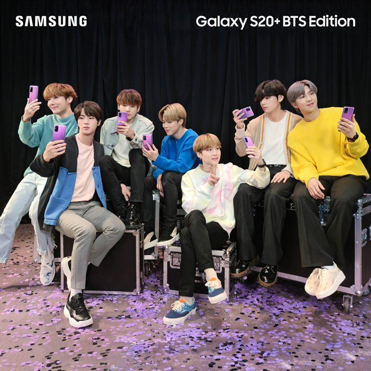 Samsung представила смартфон Galaxy S20+ и Galaxy Buds+ BTS Edition
