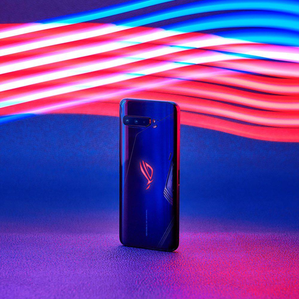 Asus выпустила первый в мире смартфон со 160-герцевым дисплеем