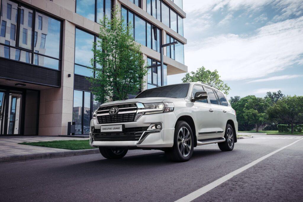 В России угонять топовый внедорожник Toyota Land Cruiser 200 стало «бессмысленно»