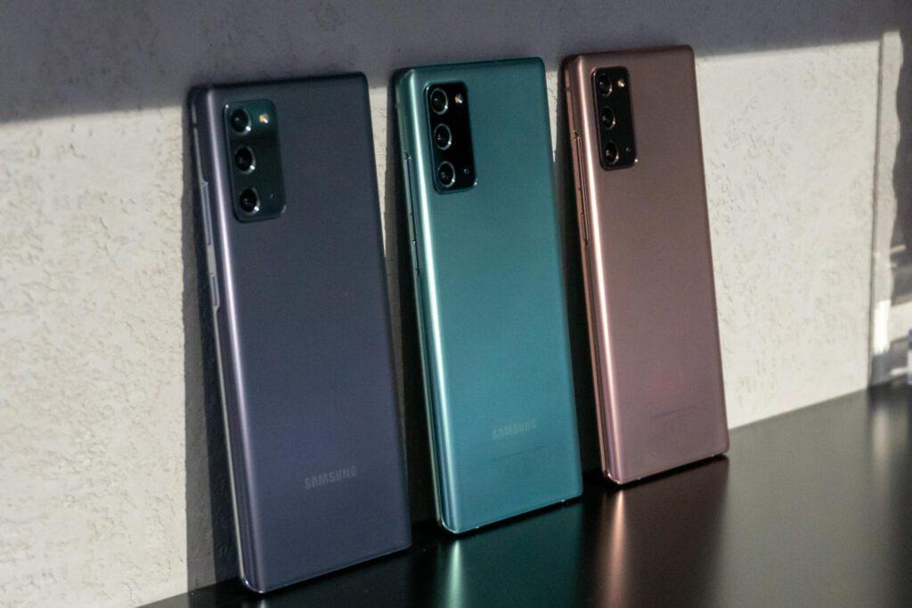 Продажи флагманов Samsung Galaxy Note 20 стартовали в России