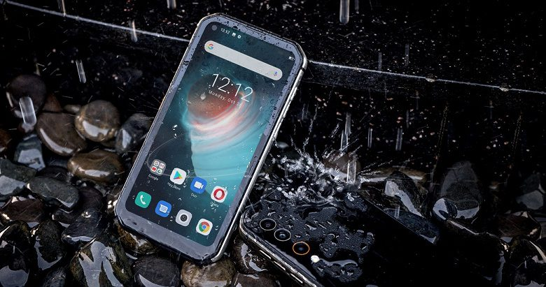 В Китае выпустили смартфон, способный работать при -30°C
