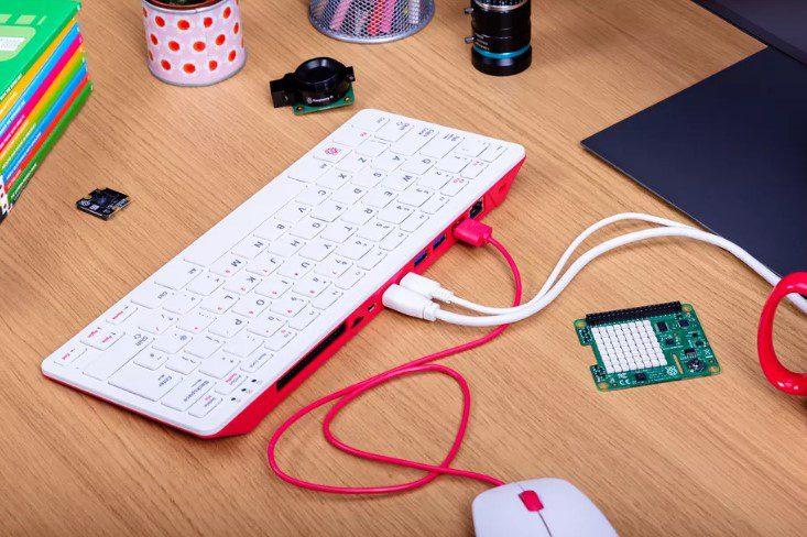Анонсирована Raspberry Pi 400 — компактная клавиатура со встроенным компьютером