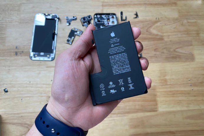 Новый IPhone 12 Pro Max получил батарею малой емкости на 3687 мАч