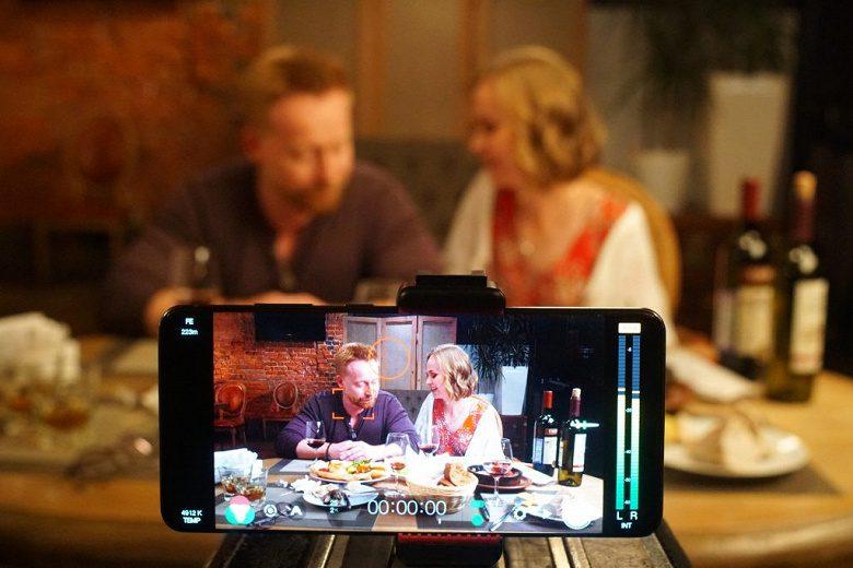 В кинотеатрах вышел фильм «Дважды два», полностью снятый на Samsung Galaxy S20 Ultra