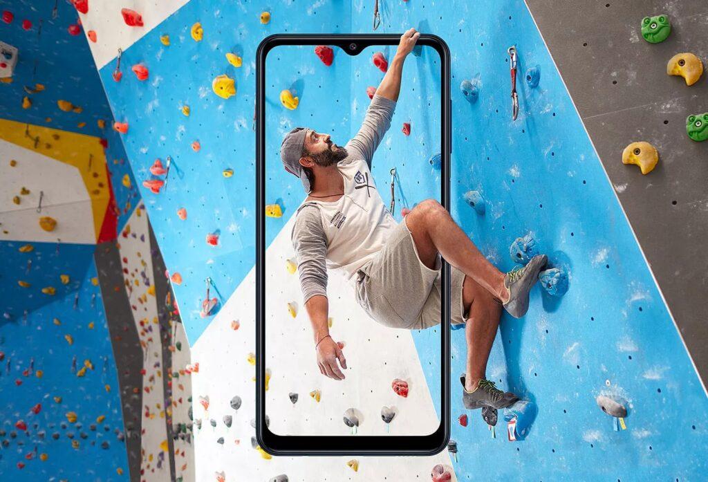 Samsung презентовала смартфон Galaxy M12 с аккумулятором на 6 000 мАч