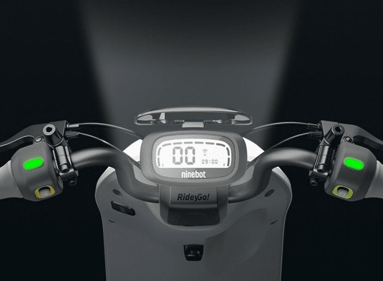 Педальный электрический мопед Ninebot A30C оценили в 305 долларов