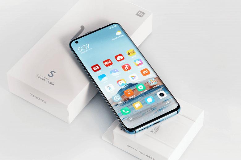 Xiaomi представила в Китае новый смартфон Xiaomi Mi 10S