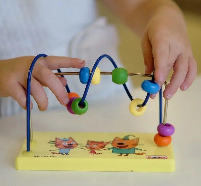 Игрушки-лабиринты: что это, чем полезны для детей