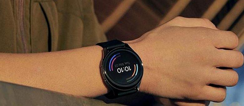 """Смарт-часы OnePlus Watch показали на """"живых"""" фото"""