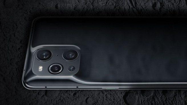 Oppo Find X3 Pro стал самым необычным смартфоном 2021 года