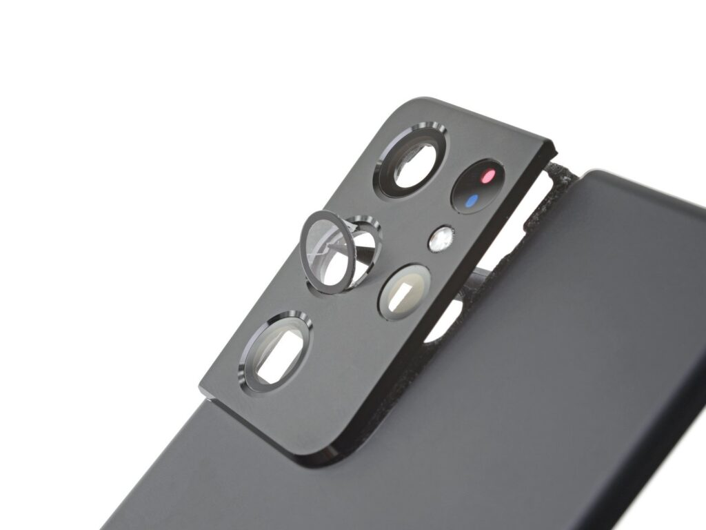 В iFixit оценили ремонтопригодность смартфона Samsung Galaxy S21 Ultra