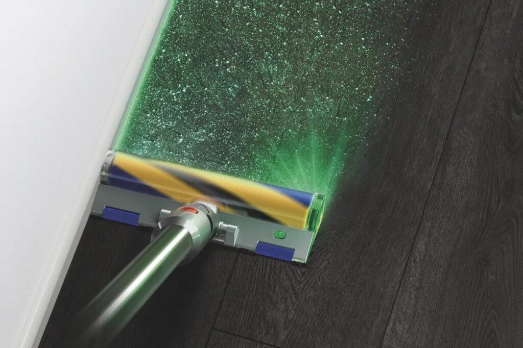 Dyson показал пылесос с лазером для подсветки мельчайшей пыли
