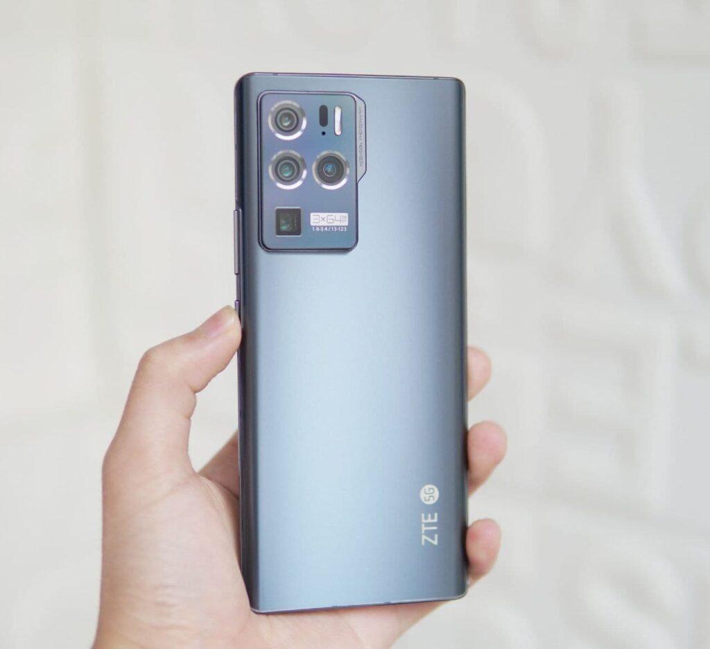 Раскрыты новые подробности о флагманском смартфоне ZTE Axon 30 Ultra