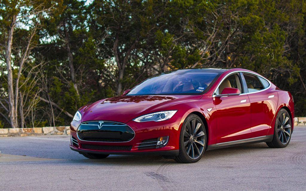 Сообщается, что Tesla борется за поставку автомобильных микросхем