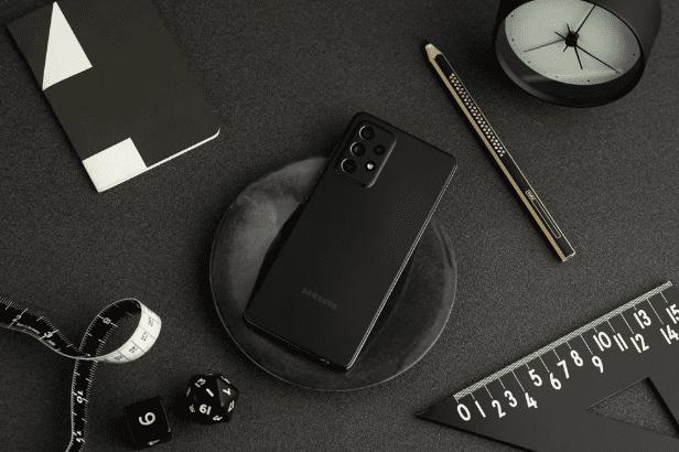 Samsung может скоро выпустить новый вариант Galaxy A52