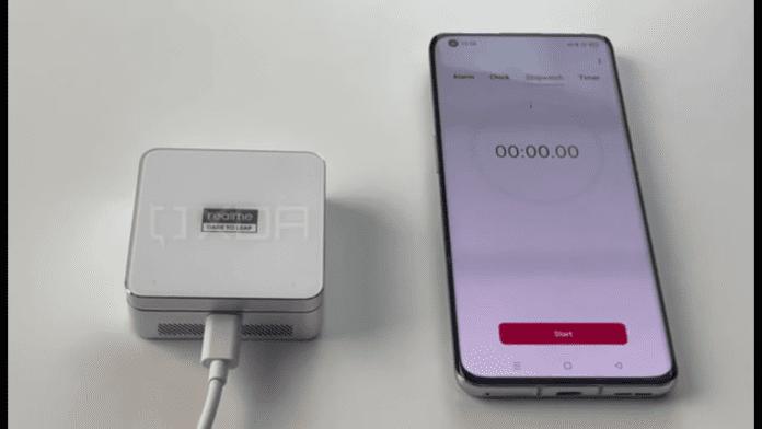 Появились фотографии Realme Flash и зарядного устройства MagDart