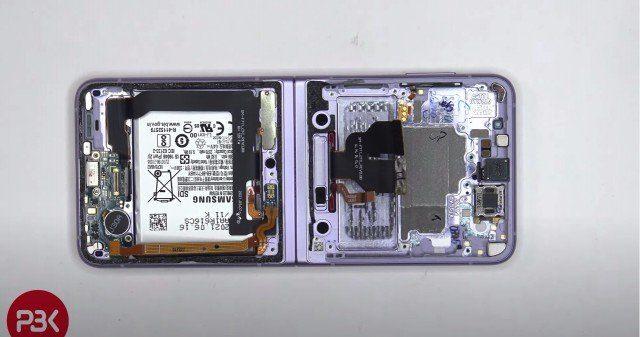 Видео с разборкой Samsung Galaxy Z Flip3 показало составляющие смартфона